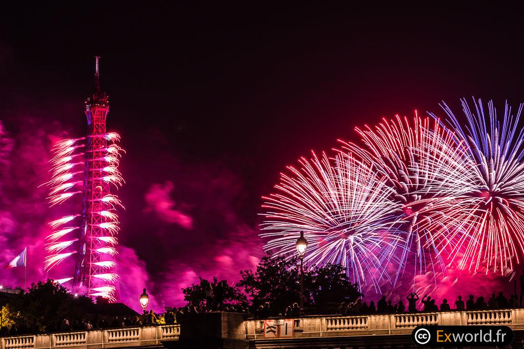 Eiffel Tower fireworks 4