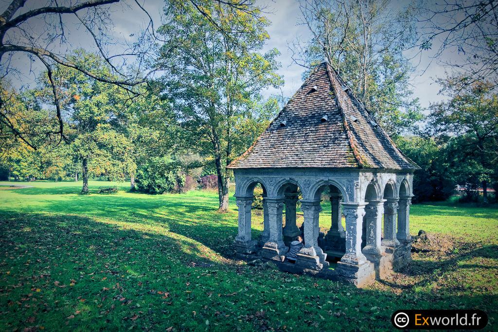 Fontaine Saint Thibault