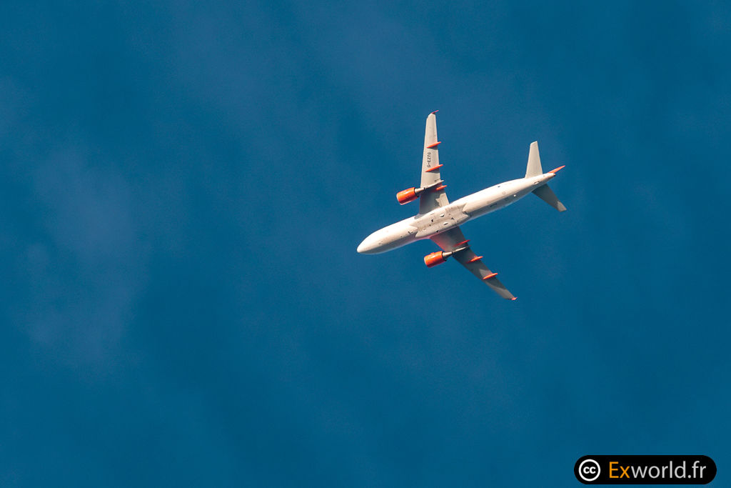A320-214 G-EZTG