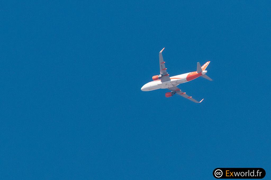 A320-214 G-EZOT EasyJet
