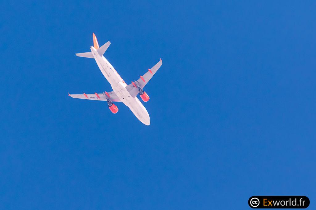 A320-214 G-EZUZ Easy jet