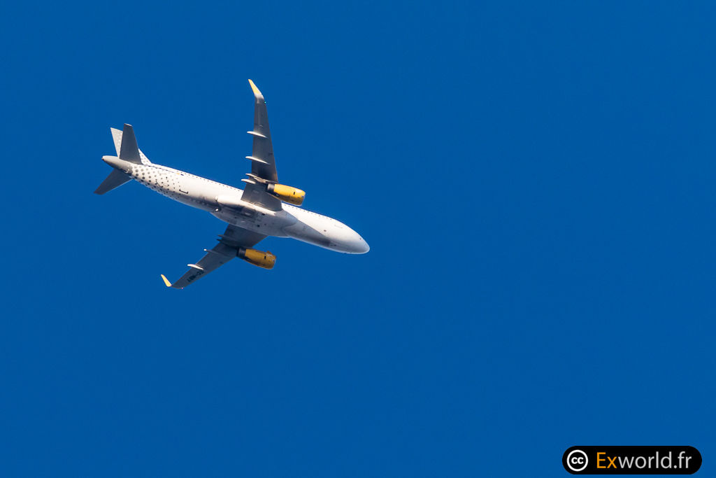 EC-MBT A320-232 Vueling