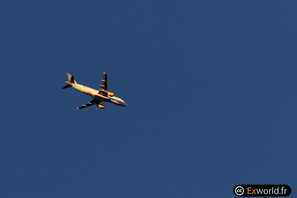 EC-LOC A320-214 Vueling
