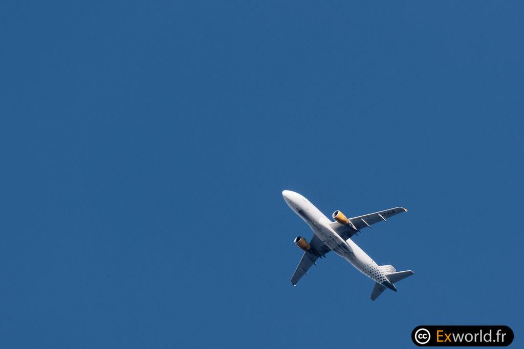 EC-LLM A320-214 Vueling