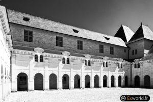 Cour Saint Benoit
