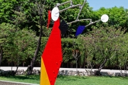 Small Crinkly Alexander Calder 3